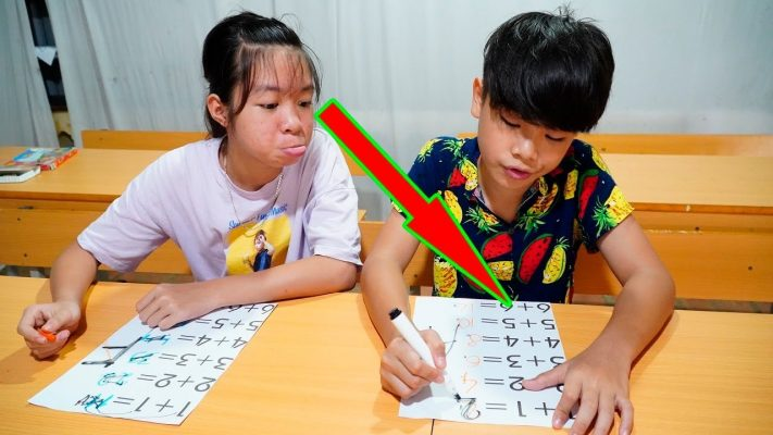 Hunter Kids Go To School Learn Colors MAth Number -  Classroom Funny Nursery Rhymes
